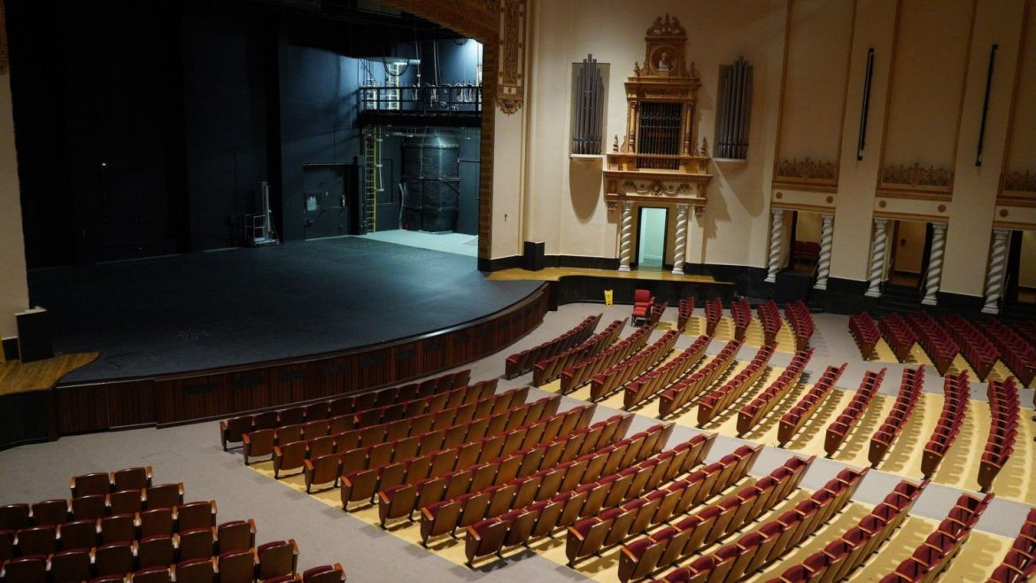 Some Beautiful Facts About The Ryman Auditorium